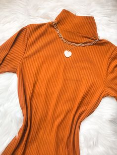 Vestido midi canelado Turtle Neck, Sweaters, Dresses, Fashion, Spring Summer, Vestidos, Moda, Fashion Styles, Sweater