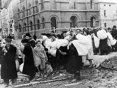 Kielce. Deportation of Jews to the area in which the ghetto was later to be established, October 1939.