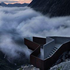 """Le Musée d'Art Moderne Louisiana de Copenhague présente actuellement """"New Nordic - Architecture et Identity"""", une exposition qui met en lumière l'architecture scandinave contemporaine, ses origines, ses enjeux et ses influences."""