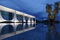 Oscar Niemeyer Brasilia Architecture #architecture #oscarniemeyer Pinned by www.modlar.com