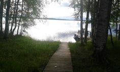Ei pysty edes katsomaan, kun järvi auringon valoa heijastaa