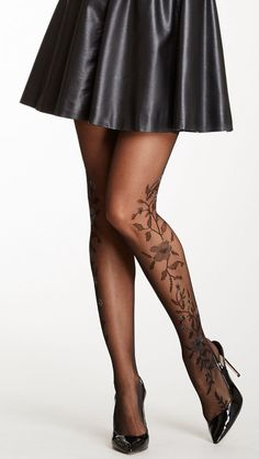 I think these are tights but that is a great look for a tattoo. Skweez Couture By Jill Zarin Crystal Splatter Shaper Tight Floral Tights, Pantyhosed Legs, Mode Shoes, Stockings Legs, Stockings Lingerie, Hot High Heels, Fashion Tights, Stocking Tights, Tight Leggings