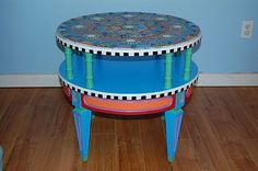Funky-Round-Mosaic-Table