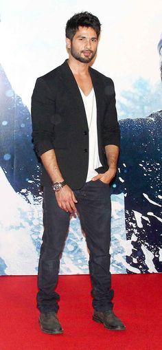 Shahid Kapoor at the trailer launch of 'Haider'. #Style #Bollywood #Fashion #Beauty