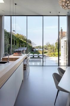 Casa Rock, Porch And Balcony, Interior Architecture, Interior Design, Lakefront Homes, Home Trends, Beautiful Homes, Minimalism, Kitchen Decor