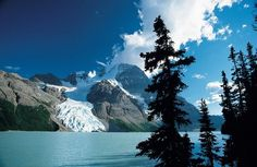 Frontier Canada specialises in tailor made holidays to the Canadian Rockies in Alberta in Canada. Explore the famous scenery of the Rockies with its stunning mountains, lakes and wildlife. Grandeur Nature, Canada Holiday, O Canada, Canadian Rockies, Pacific Northwest, British Columbia, Tourism, Beautiful Places, National Parks
