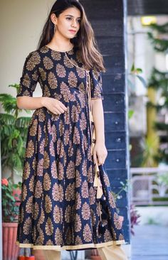 Most top dress of weekend Kurta Designs Women, Kurti Neck Designs, Dress Neck Designs, Kurti Designs Party Wear, Salwar Designs, Pakistani Fashion Casual, Pakistani Dresses Casual, Pakistani Dress Design, Stylish Dresses For Girls