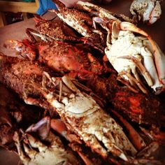 i can eat crabs any season and any day of the week...i LOVE CRABS mmmm!!!