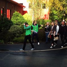 Student Guides giving a tour by Edge Hill University, via Flickr
