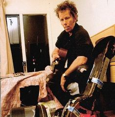 On the road . Tom Waits Quotes, Writers And Poets, Cold Night, Rockn Roll, Jazz Blues, Man Crush, Real People, Music Is Life, The Voice