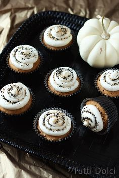 Pumpkin Cupcakes with Maple Brown Butter Frosting #cupcakes #cupcakeideas #cupcakerecipes #food #yummy #sweet #delicious #cupcake