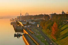 В восьмёрку основных городов Золотого Кольца России включён один из древнейших городов — Ярославль. Город был заложен Ярославом Мудрым предположительно
