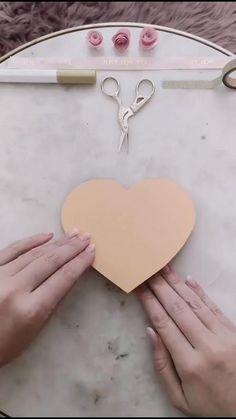 diy videos crafts - The Effective Pictures We Offer You About diy home decor A quality picture can tell you many thing - Diy Crafts Hacks, Diy Crafts For Gifts, Diy Home Crafts, Diy Arts And Crafts, Creative Crafts, Diy Projects, Cool Paper Crafts, Paper Crafts Origami, Diy Paper