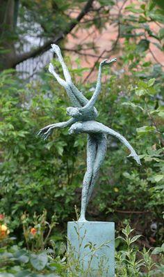 Tumbling Bob Quinn Sculpture Art, Garden Sculpture, Bob Quinn, Garden Figurines, Wire Mesh, Plant Hanger, Carving, Bronze, Pottery