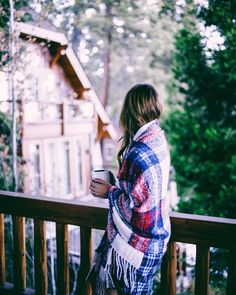 Photographie Gal Meets Glam Aerie Cozy Holiday PJs and Blanket Scarf The Friendly Home Bar Article B Tumbr Girl, Freetime Activities, Undone Look, Gal Meets Glam, Jolie Photo, Cabins In The Woods, Blanket Scarf, Winter Time, Cozy Winter