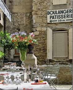 outdoor cafe in Provence