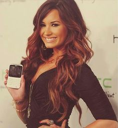 Demi lovatos hair. Why is this so perfect.