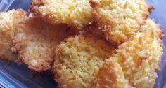Diétás kókuszos keksz recept | APRÓSÉF.HU - receptek képekkel Healthy Sweet Snacks, Healthy Cookies, Healthy Desserts, Healthy Food, Diabetic Recipes, Diet Recipes, Cooking Recipes, Healthy Recipes, Health Eating