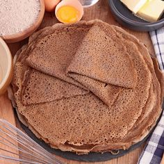 The salty pancakes, it's that easy, I repeat. Ok, but I manage my buckwheat cake not always! Gf Recipes, Kitchen Recipes, Snack Recipes, Cooking Recipes, Pancake Recipes, Peanut Butter Protein, Peanut Butter Fudge, Caesar Salat, Caprese Salat