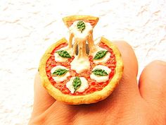 Unusual Pizza Art for Pizza Lovers (5)