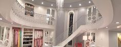 love chanel no 1's presidential closet.....how big is this house anyway?