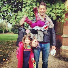 """@thedogjogger """"#littlealphas off to see Santa at #fulhampalace with Uncle D"""" 13n"""