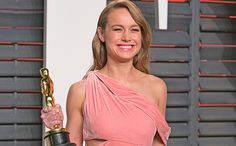 Brie Larson Hugged Each And Every One Of The Survivors Onstage...: Brie Larson Hugged Each And Every One Of The Survivors… #BrieLarson