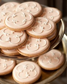 Even the cookies on the dessert cart dressed for the occasion; the bakers at Épicerie Boulud frosted them in a pale pink that fit in with the big-day palette and piped the ubiquitous quatrefoil logo on top.