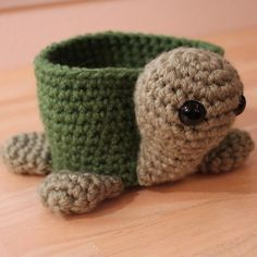 Holy crap - this is one of the cutest things I've seen!! Turtle bowl . . .