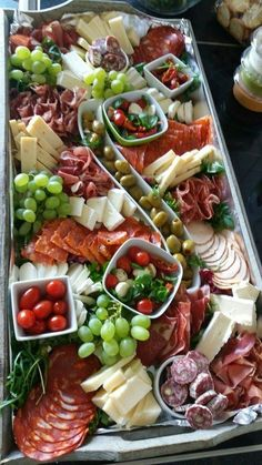 Tapas # mmmh Tapas # mmmh The post Tapas # mmmh appeared first on Fingerfood Rezepte. Party Food Buffet, Party Food Platters, Party Trays, Tapas Buffet, Brunch Buffet, Snack Trays, Table Party, Easy Dinner Recipes, Appetizer Recipes