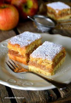 French Toast, Breakfast, Food, Apple Crumble Recipe, Morning Coffee, Essen, Meals, Yemek, Eten