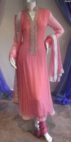 Bridel Fashion Trend And Girls Fashion: Eid Latest Pakistani Dresses Latest Pakistani Dresses, Pakistani Outfits, Indian Outfits, Latest Pakistani Fashion, Kurti Designs Party Wear, Kurta Designs, Blouse Designs, Indian Gowns, Indian Attire