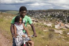 Jikulumessu uma história emocionante de amor e vingança passada em Angola http://angorussia.com/entretenimento/tvmedia/jikulumessu-uma-historia-emocionante-de-amor-e-vinganca-passada-em-angola/