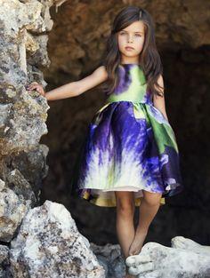 """Oscar de la Renta Unveils Gorgeous """"Sophie in the City"""" Dress For Little Girls"""