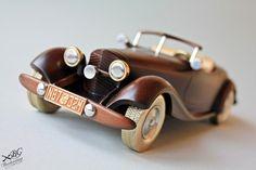 Миниатюрный ретро-автомобиль ручной работы