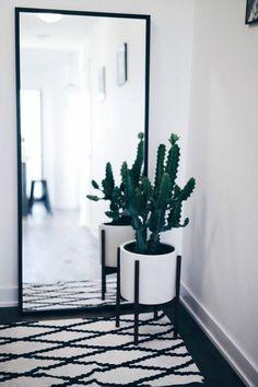 ein Spiegel in der Flur