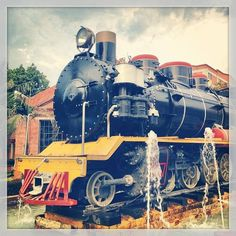 This locomotive is in Cali Colombia Cali Colombia, Locomotive, Beautiful Places, Country, Handball, Rural Area, Country Music, Locs