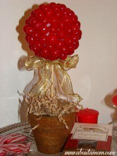 Valentine - Valentines - valentine decor ideas   #valentine   DIY Make a Valentine's Day Candy Topiary
