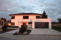 Beispiel Garage mit Verlauf über dem Eingang und Nutzung der halben Fläche auf der Garage fur das Haus.