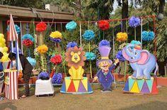 decoración para fiestas infantiles de tema circo