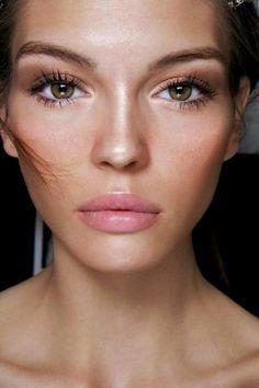 quel maquillage pour agrandir les yeux marrons, nos idees pour votre visage
