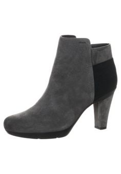 INSPIRATION - Nilkkurit - harmaa Bootie Boots, Shoe Boots, Shoes, Avon, Winter Outfits, Charcoal, Ankle, Inspiration, Fashion