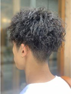 Curly Hair Tips, Curly Hair Styles, Men Perm, Cool Hairstyles For Men, Permed Hairstyles, Hair Hacks, Hair Cuts, Hair Beauty, Dreadlocks