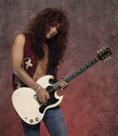 Call it sacrilege, but Jake E. Lee is my favorite of Ozzy's guitarists. Jake E Lee, 80s Hair Bands, Black Label Society, Peter Steele, Gibson Guitars, Long Black Hair, Nikki Sixx, Ozzy Osbourne, Heavy Metal Bands