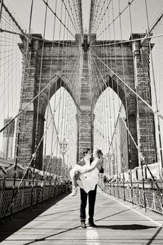 NYC wedding photos on the Brooklyn Bridge
