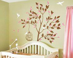 Stickers d'arbre de pépinière grand arbre blanc autocollant avec stickers arbre blanc unisexe d'oiseaux tatouages de mur mur autocollant de mur murale amovible en vinyle 032  ➚About la conception ---------------------------------------------------------------------  Cet ensemble d'autocollant sticker mural chambre arbre se compose d'un grand arbre dans le vent, les feuilles et les oiseaux en vol ludiques dans une couleur de votre choix. Cette murale arbre pour chambre d'enfant a un aspect…