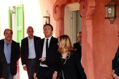 Renzi rende omaggio a Casa-Pavarotti - Foto e video - Gazzetta di Modena