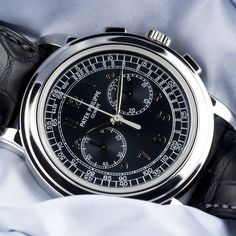 ⌚Platinum Prime⌚ Patek Philippe Chronograph ref.5070P-001 in platinum with a blue dial. complete with box and papers dated 2008. now a discontinued model, this is one of few currently available in the UK market. live now at watchcentre.com