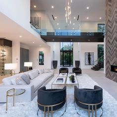 Trending 33 Top Home Decor Colors For 2019 Stepping away from the tech-obsessed decor trends that we saw dominate the 2018 design trends, 2019 move to… Luxury Homes Dream Houses, Dream House Interior, Dream Home Design, Modern House Design, Home Interior Design, Luxury Interior, Grey Interior Paint, Luxury Decor, Flur Design
