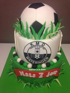 Voetbal taart soccer cake